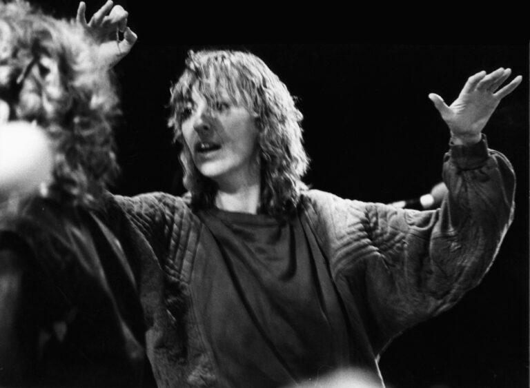 "Irmgard Schleier dirigiert ""Va pensiero""  aus Verdis ""Nabucco"""