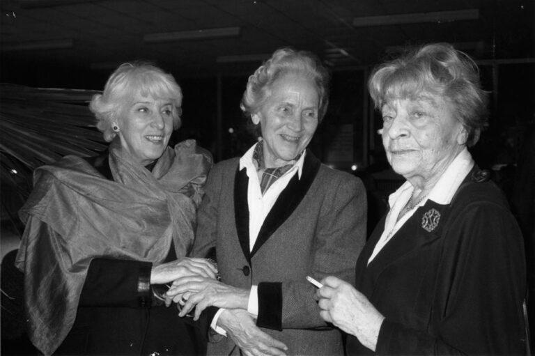 Joana Maria Gorvin mit Dr. Marion Gräfin Dönhoff und Elsbeth Weichmann aus dem Beirat des Festivals