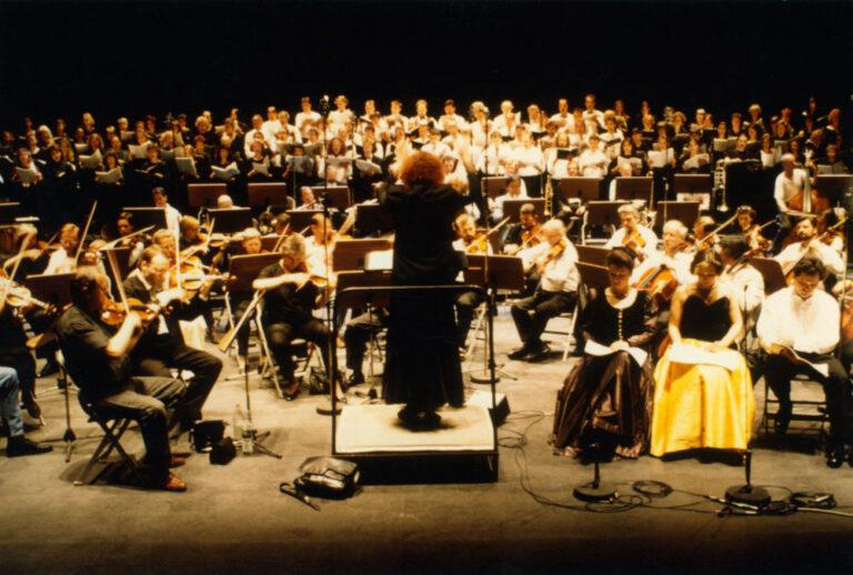 Hommage an Fanny und Felix Mendelssohn, Hamburger Symphoniker, Chor und Solisten, Irmgard Schleier dirigiert Werkschau Ea Sola