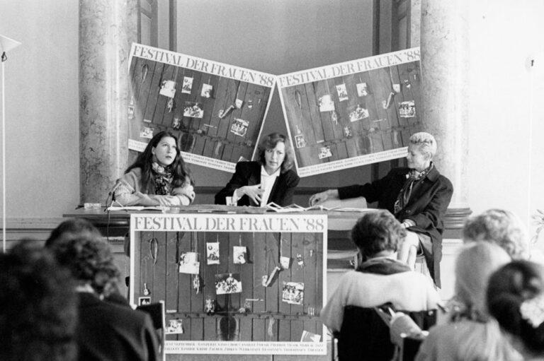 Eva Mattes, Irmgard Schleier, Hélène Vida Liebermann auf der Pressekonferenz zum Festival der Frauen 1988 im Literaturhaus